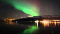 Amazing-Northern-Lights-Time-Lapse-3